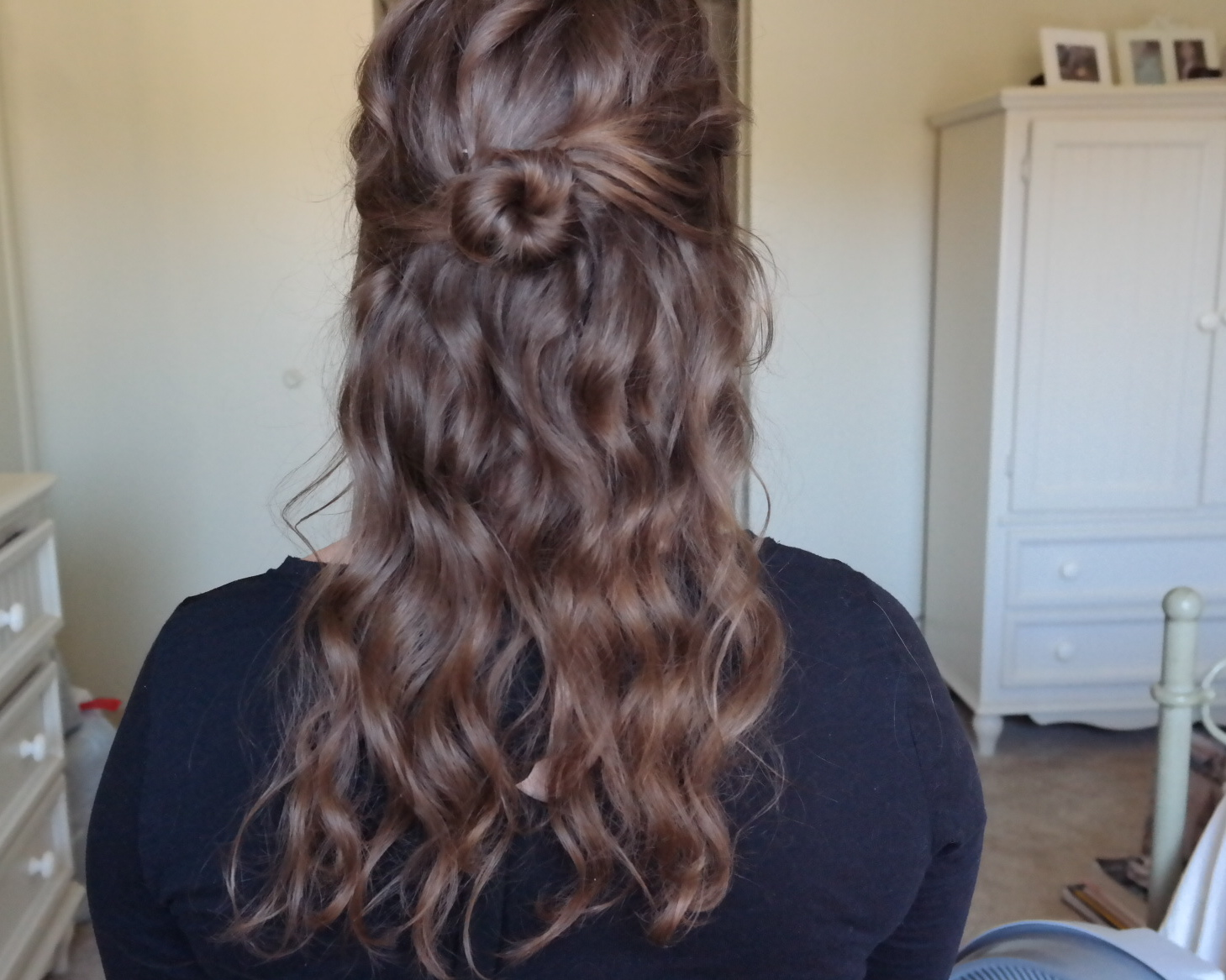 messy waves half up do